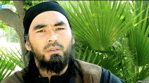 На фото: Абу Хусейн Узбеки. Кадр из видеообращения